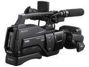Профессиональные видеокамеры.  Sony HXR-MC2000E